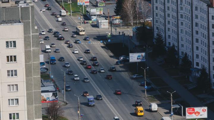 Две полосы крупного проспекта Челябинска отдадут общественному транспорту