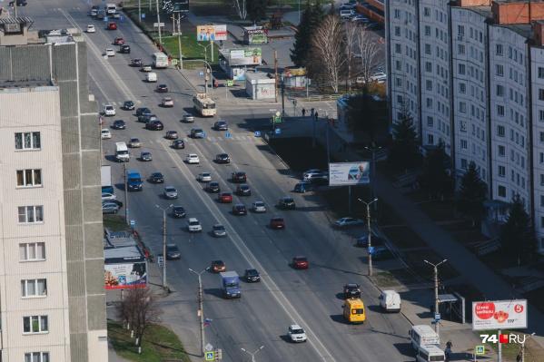 По одной полосе в каждом направлении общественному транспорту отдадут на Комсомольском проспекте