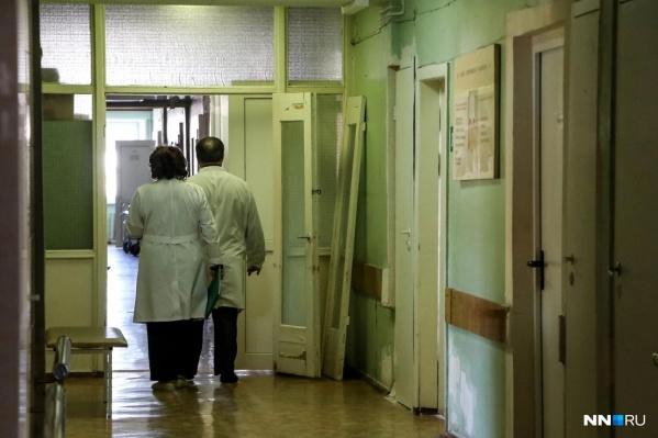 — Сейчас напряженность с поставками вакцины по всей стране, — считает замглавврача клинической больницы Сарова Вера Маслова.