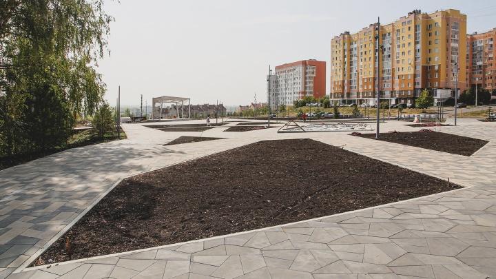 Бетон, песок и умирающие деревья: как выглядит новый парк Уфы за неделю до открытия