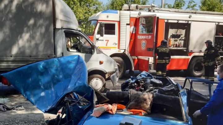В массовой аварии на улице Куйбышева в Челябинске погибли два человека
