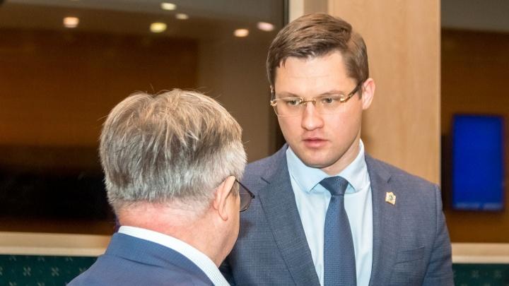 Глава Минстроя Самарской области продолжил раздавать замам свои полномочия