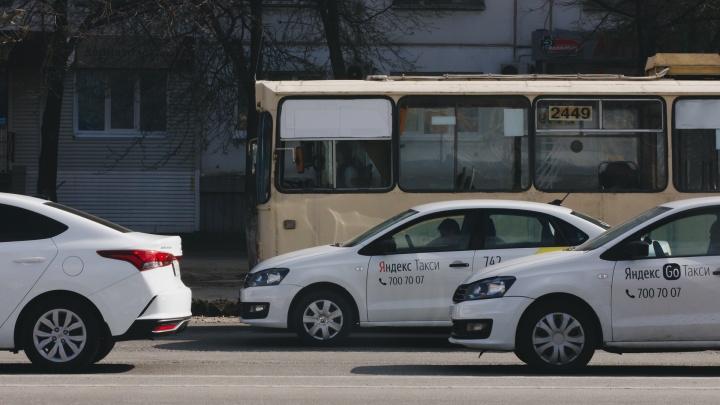 В Челябинске выделенные полосы сделают с учетом стандартов Москвы и разрешат ездить по ним таксистам