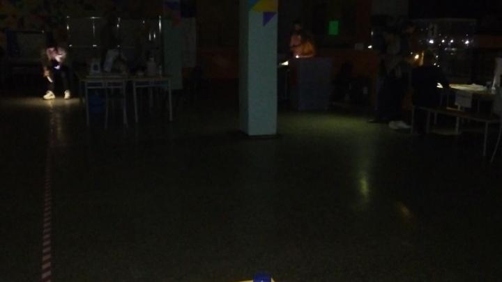 На нескольких избирательных участках в Архангельске пропало электричество