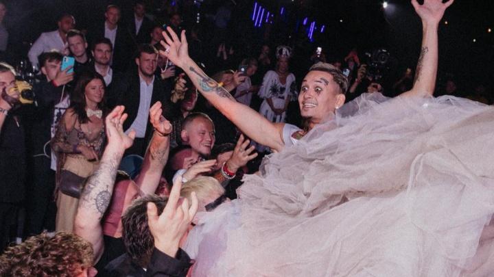 «Вышел замуж за жену»: Моргенштерн показал новые фотографии со свадьбы