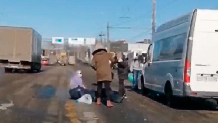 Пострадали пять человек: в Ярославле «Газель» влетела в пешеходов