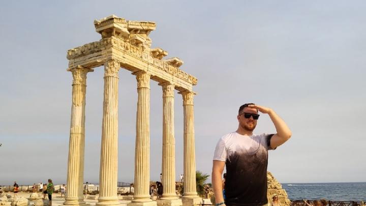 «Извиняются, что отпуск испорчен»: волгоградец рассказал об отдыхе в бьющейся с пожарами и ковидом Турции