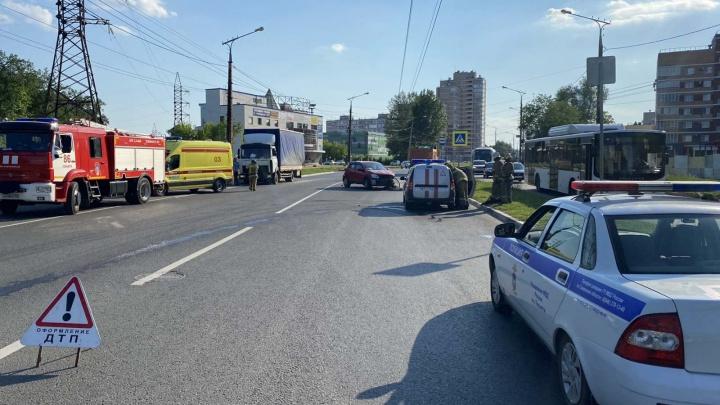 «Было страшно смотреть»: в Тольятти женщина-пешеход погибла на зебре из-за столкновения двух машин