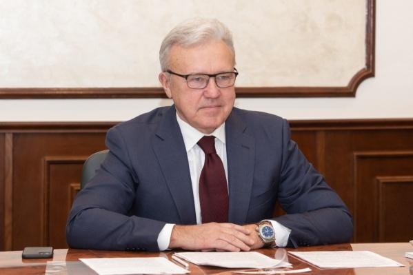 Кремлевские исследования выявили низкий уровень доверия красноярцев и к Уссу, и к президенту