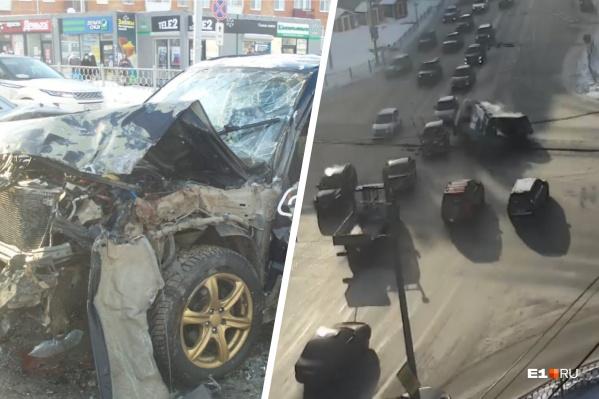 ВодительSubaru нарушил ПДД и поехал на красный
