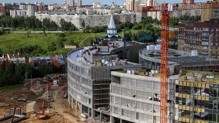 Как выглядят здания «Школы 800» за полтора месяца до начала учебного года. Фоторепортаж NN.RU