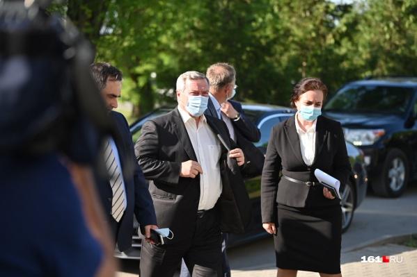 Губернатор выразил соболезнования семьям погибших и пострадавших от аварии на коллекторе под Таганрогом