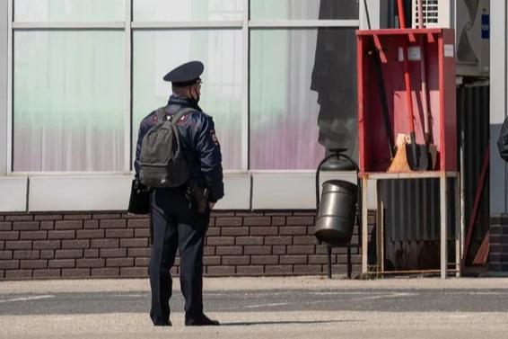 Полицейский Дурнев случайно устроил стрельбу в оцеплении на аксайских рынках