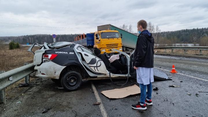 На трассе в Прикамье 21-летний водитель разбился на машине каршеринга