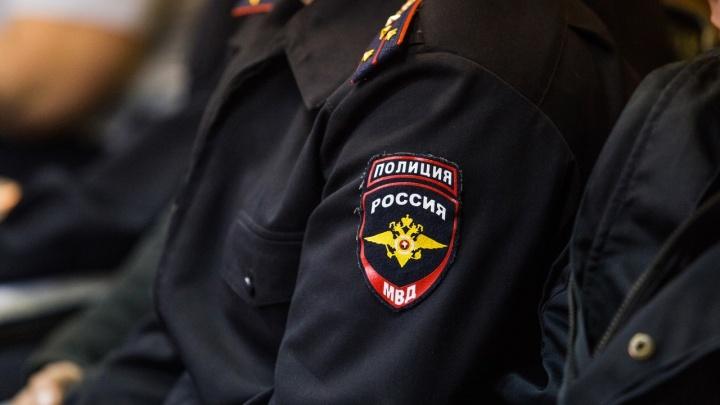 В НСО против полицейского возбудили уголовное дело— его подозревают в пытках мужчины электрошокером