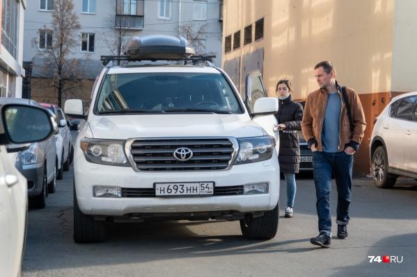 В суд Андрея Осипова, находящегося под домашним арестом, привезла жена