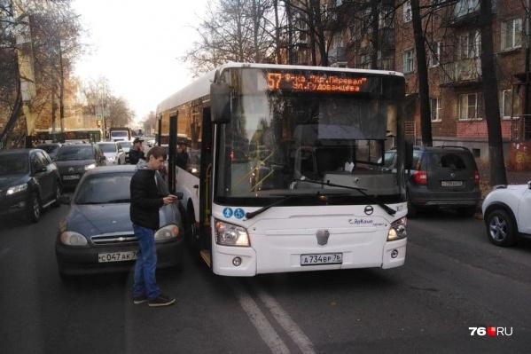 Автобус ехал из Брагино на Красный Перекоп