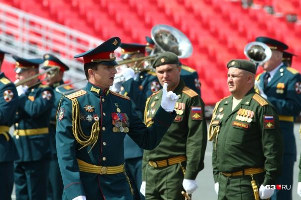 Военные завершают подготовку к параду