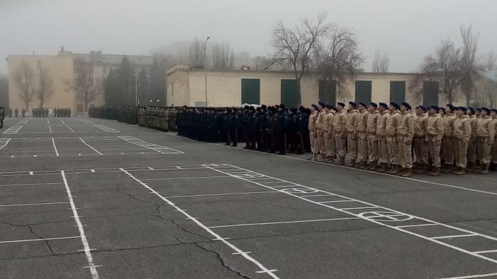 В Волгограде провели первую репетицию парада Победы