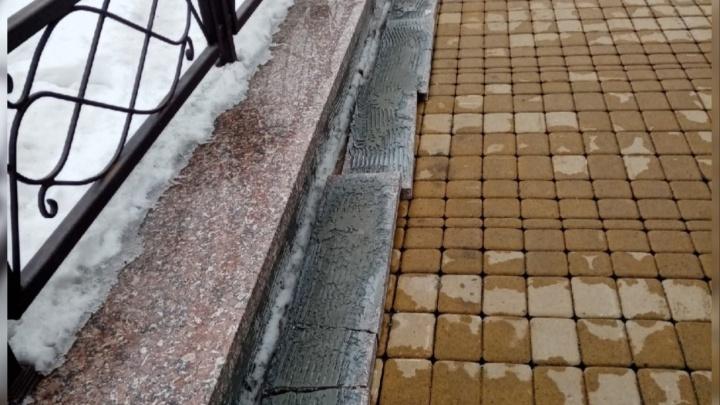«Критика справедлива»: власти Кургана обратятся к подрядчику из-за качества ремонта набережной