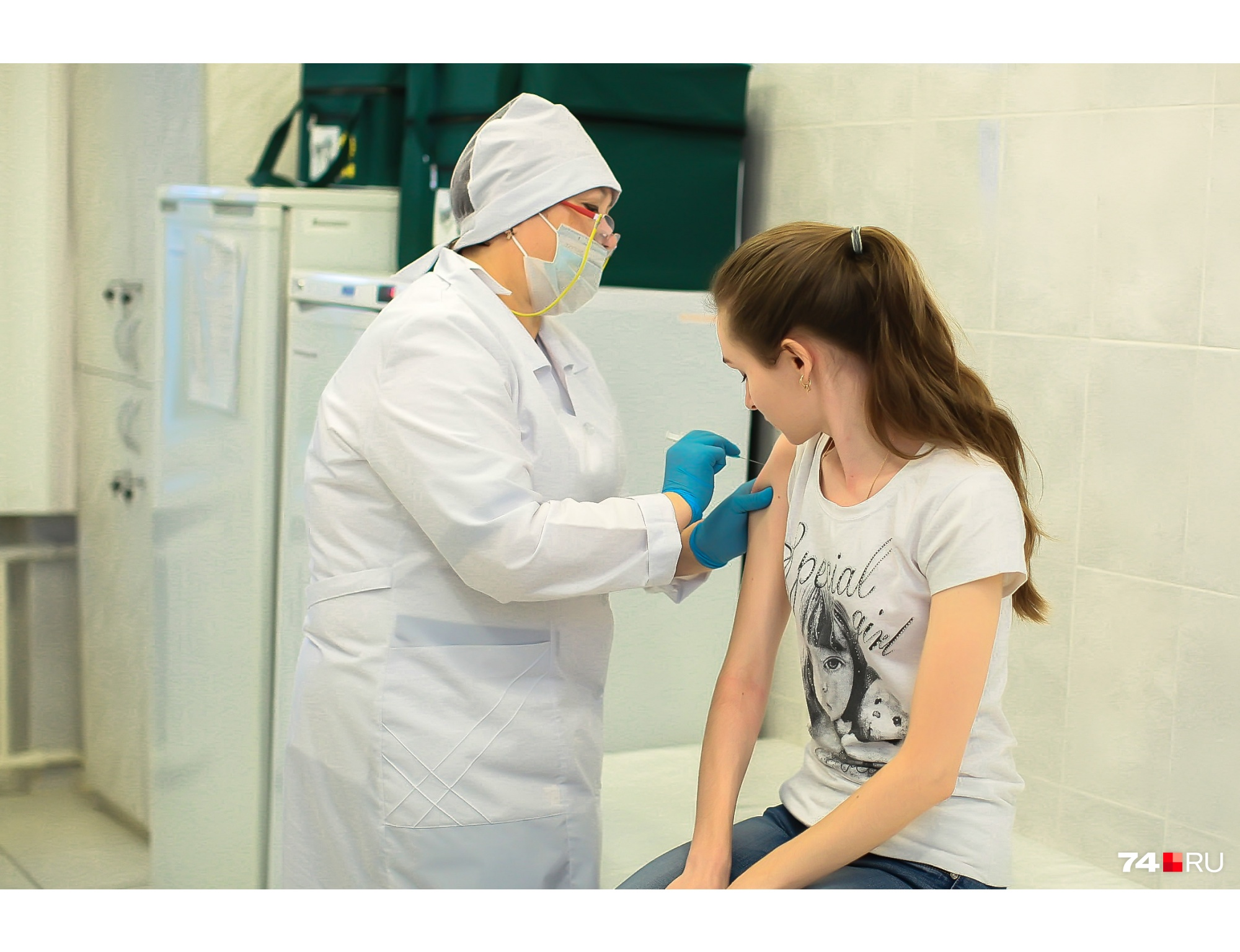 Три из четырех зарегистрированных вакцин вводят в два этапа