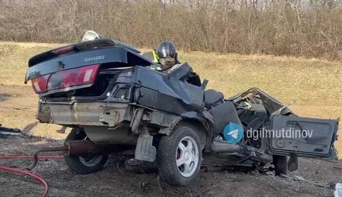 В Башкирии столкнулись ВАЗ-2115 и бензовоз, два человека погибли