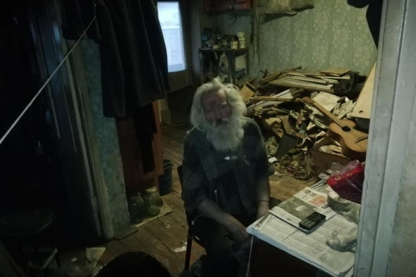 Евгению Маточкину 74 года, и он не видит
