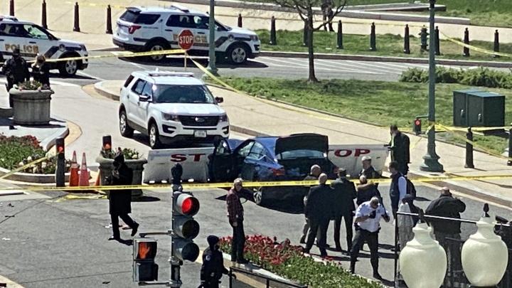 Автомобиль протаранил ограждение Капитолия в США. У здания — стрельба