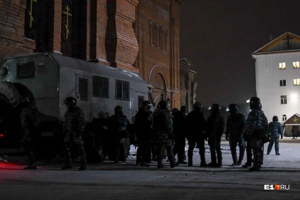 Наши фотограф и корреспондент отправились в Среднеуральскую обитель