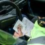 В Зауралье семейную пару осудят за создание поддельных прав и обман будущих водителей