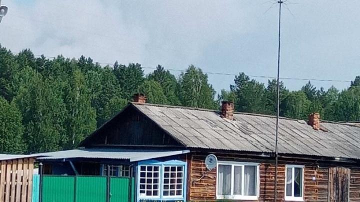 Крупный лесной пожар в Юргинском районе — люди опасаются, что огонь снова подойдет к домам