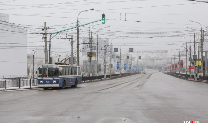 В Волгограде на Астраханском мосту снято ограничение скорости до 40 километров в час