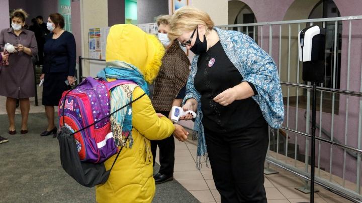 Заболеваемость растет и среди детей. Более 300 школ и детсадов — частично на карантине в Нижегородской области