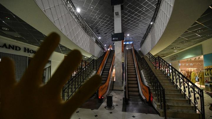 Что скрывает «Гринвич». Фоторепортаж из секретных коридоров и комнат торгового центра
