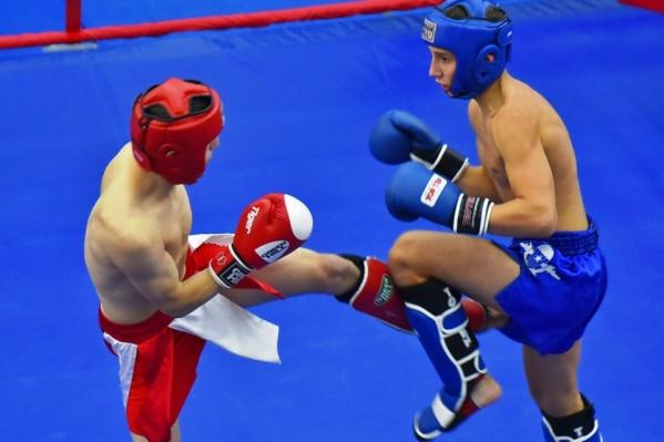 Зрители увидят яркое шоу, включающее зрелищные поединки и показательные выступления по боевым искусствам