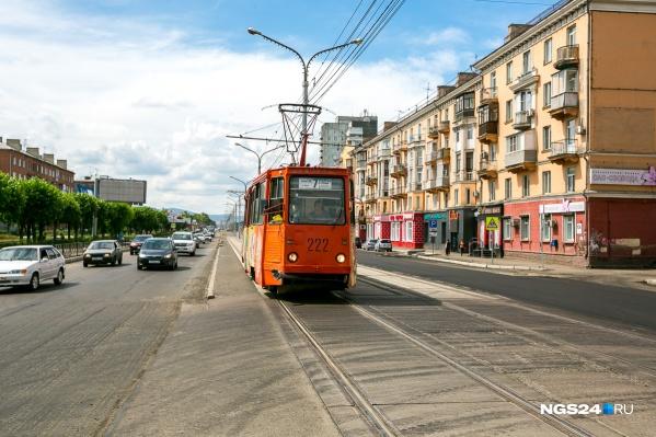 """Женщина попала под трамвай <nobr class=""""_"""">№ 7</nobr>, который шел в сторону КрасТЭЦ"""