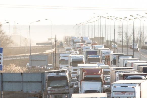 На трассе М-4 «Дон» из-за массового ДТП образовалась 12-километровая пробка
