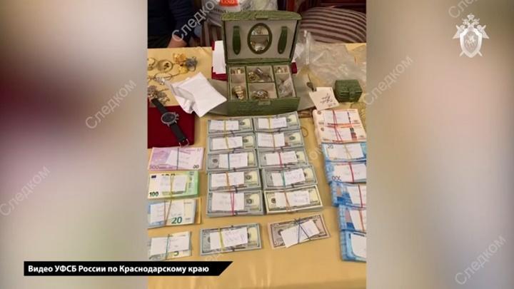 СК возбудил новые уголовные дела за взятки в краевом Роспотребнадзоре