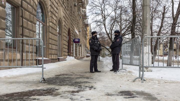 В Волгограде убрали «антипротестные» ограждения сквера Симбирцева