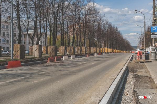 Участок проспекта между улицами Краснова и Революции продолжают ремонтировать (фото сделано 7 мая)
