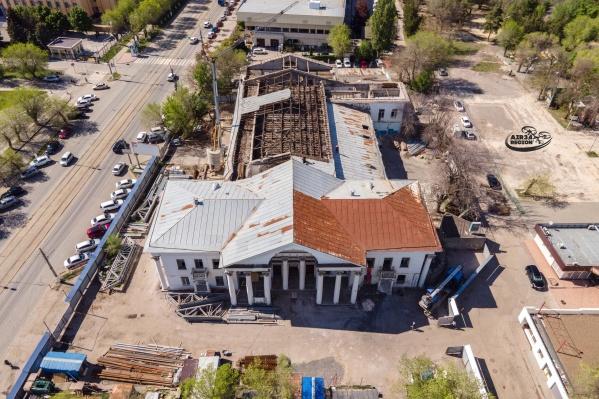 Ремонт крыши легендарной «Победы» начался в апреле этого года