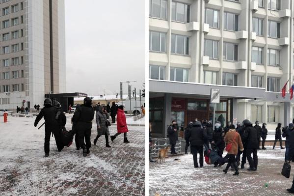 Моменты задержаний на площади перед мэрией