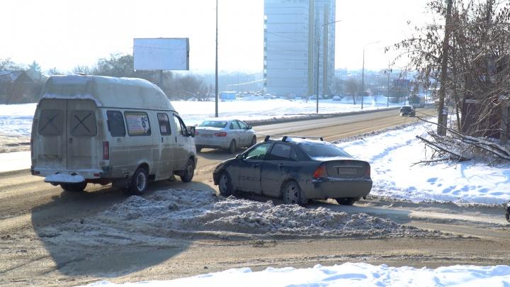 В Волгограде поставили знак приоритета на спорном перекрестке
