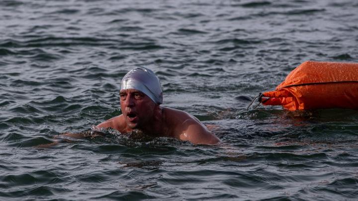 «Это за пределами возможностей среднего человека»: три новосибирца переплыли холодную Обь