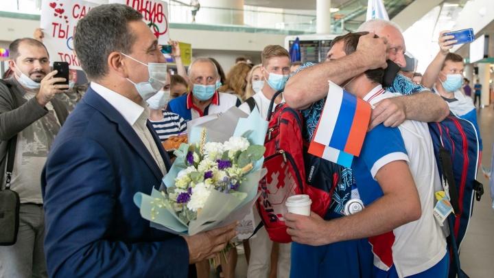 Впервые привезли столько наград: самарские спортсмены вернулись домой с Олимпиады