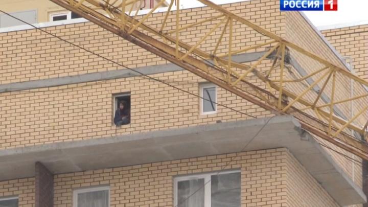 В Перми на строящийся дом упала стрела башенного крана