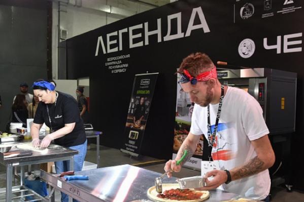 Многие этапы кулинарной олимпиады выглядят очень зрелищно