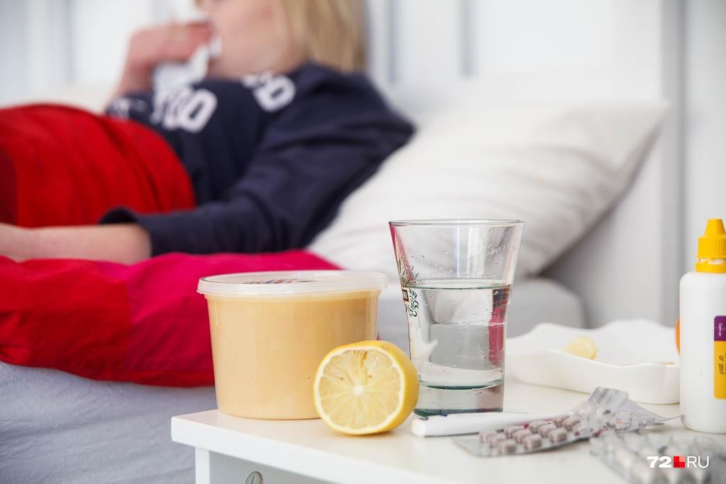Небольшая температура чуть больше 37 держалась у многих людей, поставивших прививку, день или два. А затем сразу же проходила