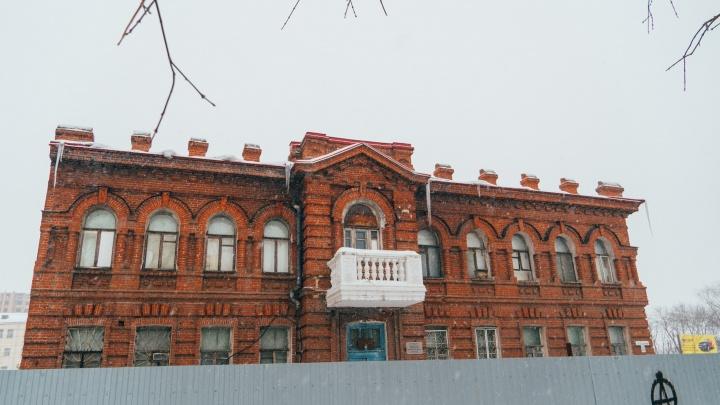 От доходного дома до станции скорой помощи: история памятника архитектуры на Косарева