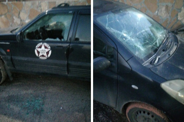 Мужчина побил стекла автомобилей, но не успел уйти с места ЧП — его поймали жители